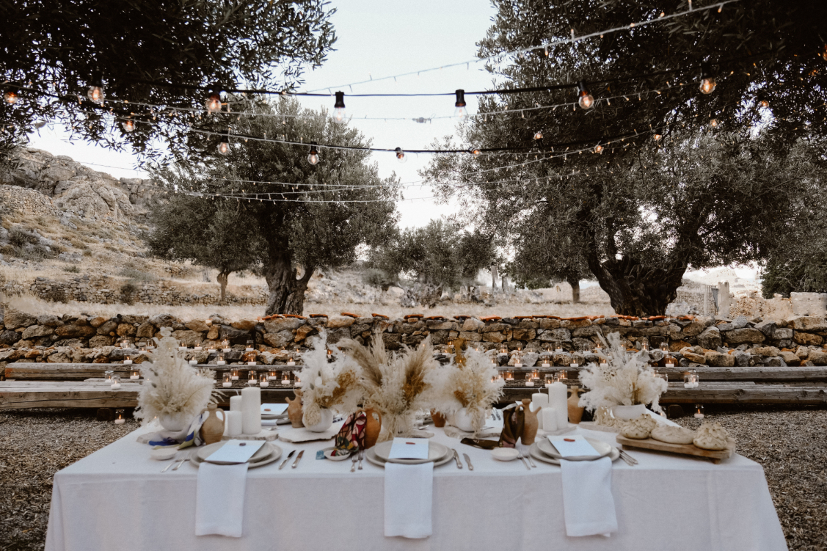 monochromatic Mediterranean wedding - wedding planner in Rhodes - boho wedding in Greece setting